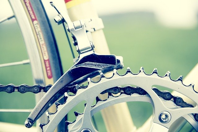 Close up image of a bicycle chain